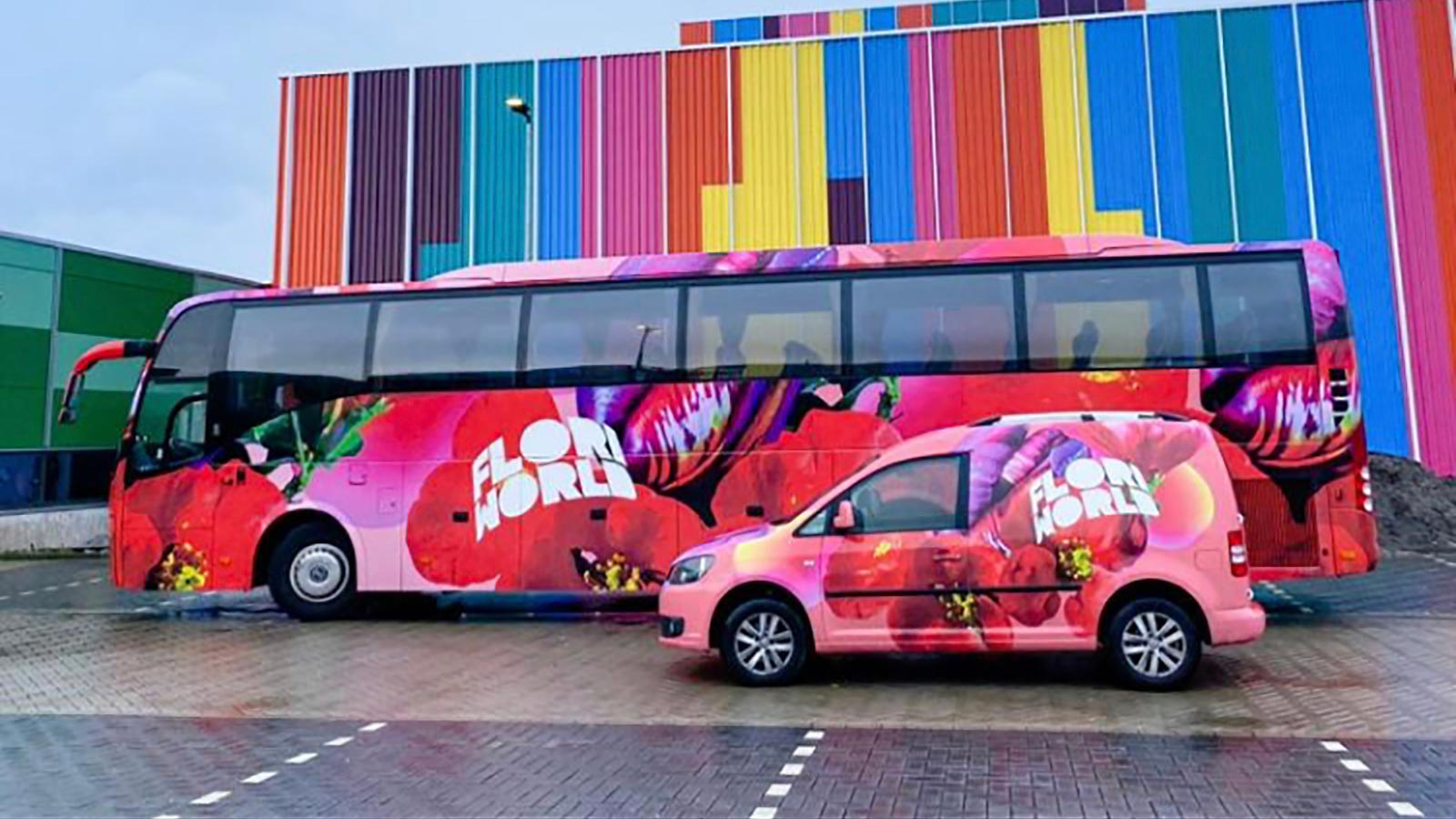 Van Riemsdijk Reklame - Voertuigen - Floriworld - 1 - Diensten: Autoreclame, binnenreclame, uitenreclame en lichtreclame