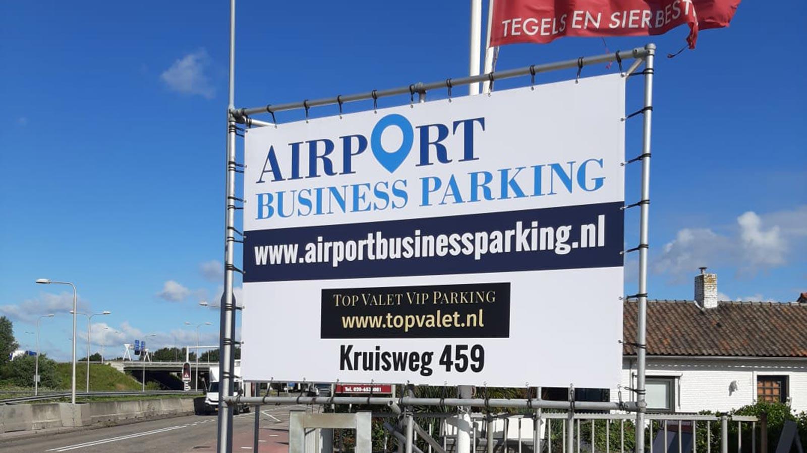 Van Riemsdijk Reklame - Spandoeken - Airport Business Parking